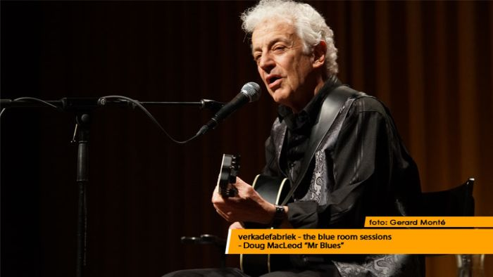 montE21528- Doug MacLeod blue room