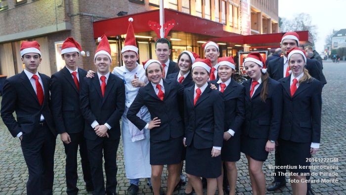 DSC04005- - Vincentius kerstproeverij in Theater aan de Parade - 22december2016 - foto GerardMontE web