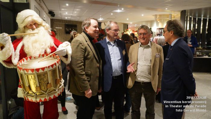 DSC04009- - Vincentius kerstproeverij in Theater aan de Parade - 22december2016 - foto GerardMontE web