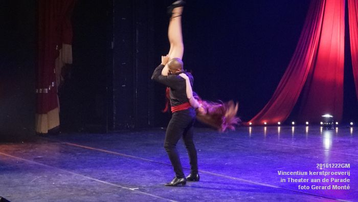 DSC04172- - Vincentius kerstproeverij in Theater aan de Parade - 22december2016 - foto GerardMontE web