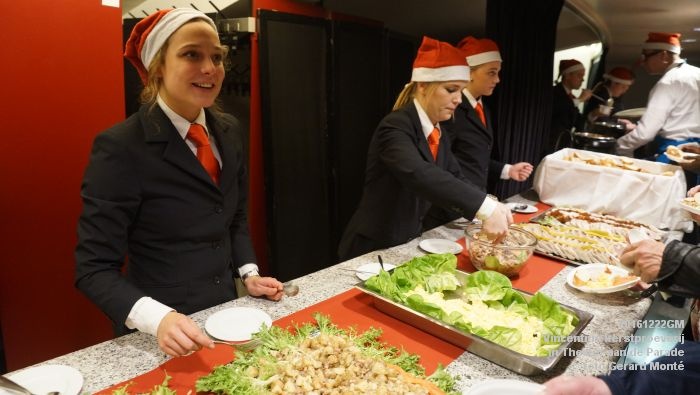 DSC04279- - Vincentius kerstproeverij in Theater aan de Parade - 22december2016 - foto GerardMontE web