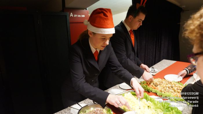 DSC04280- - Vincentius kerstproeverij in Theater aan de Parade - 22december2016 - foto GerardMontE web