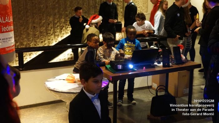 DSC04348- - Vincentius kerstproeverij in Theater aan de Parade - 22december2016 - foto GerardMontE web