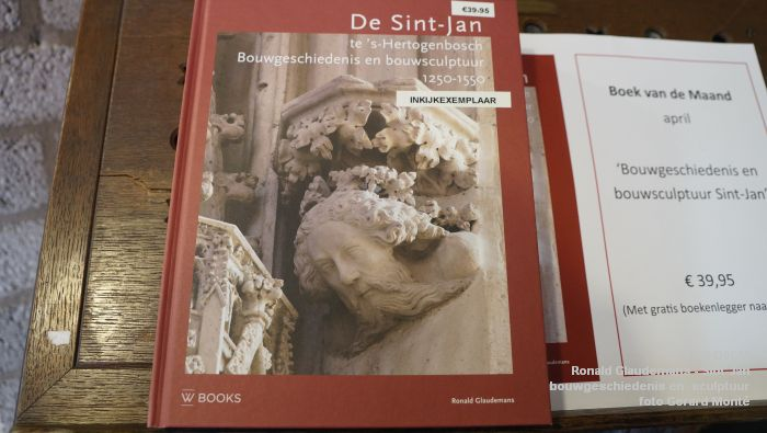 aDSC03482- Ronald Glaudemans over de Sint-Jan - bouwgeschiedenis en bouwsculptuur 1250-1550 - 20april2017 - foto GerardMontE web