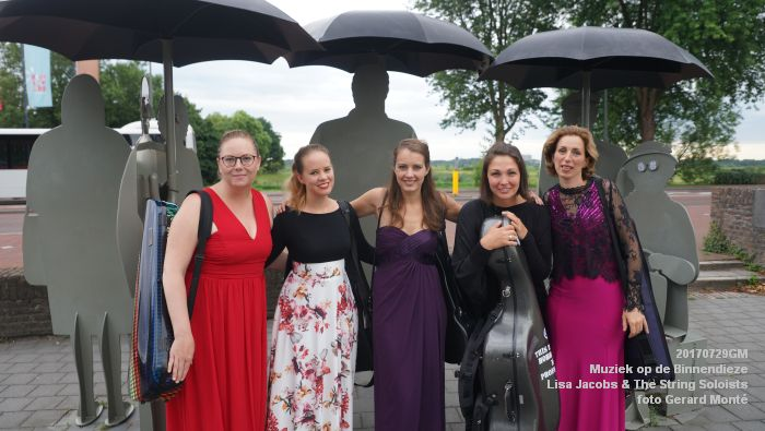 fDSC00260- Muziek op de Binnendieze - Lisa Jacobs en The String Soloists - 29juli2017 - foto GerardMontE web
