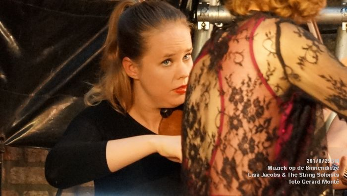 fDSC00298- Muziek op de Binnendieze - Lisa Jacobs en The String Soloists - 29juli2017 - foto GerardMontE web