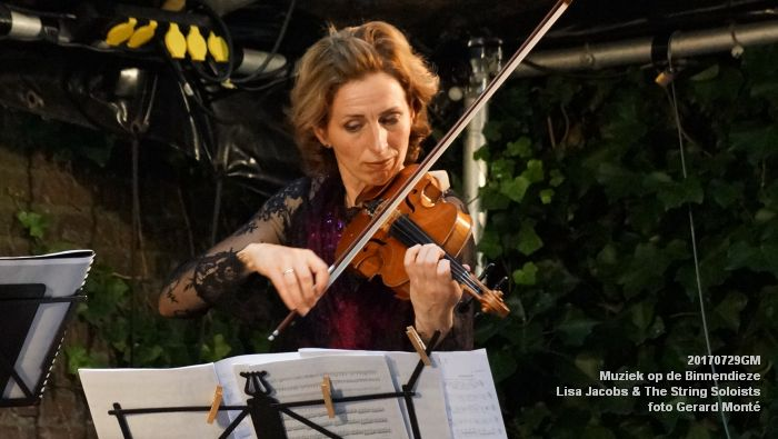 fDSC00323- Muziek op de Binnendieze - Lisa Jacobs en The String Soloists - 29juli2017 - foto GerardMontE web