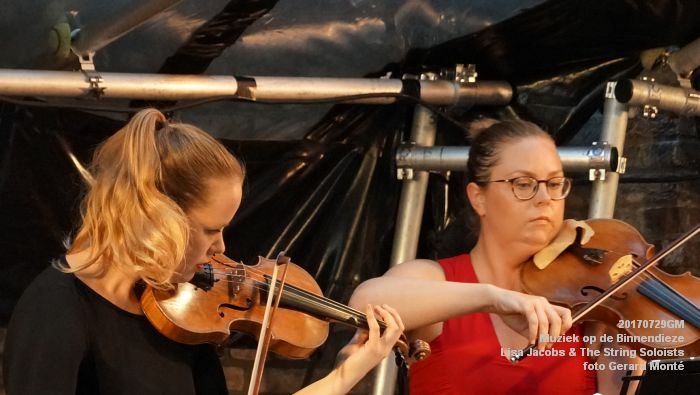 fDSC00333- Muziek op de Binnendieze - Lisa Jacobs en The String Soloists - 29juli2017 - foto GerardMontE web
