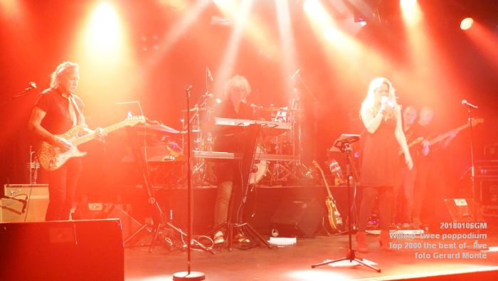 f023DSC01625- Willem-Twee poppodium - Top 2000 the best of live- 6jan2018 - foto GerardMontE web