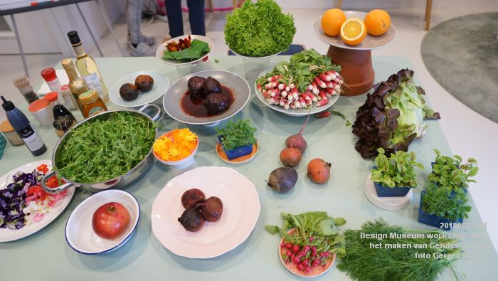 mDSC03555- Design Museum Food is fictie - Workshop over het maken van Gender-salade - 25aug2018 -  foto GerardMontE web