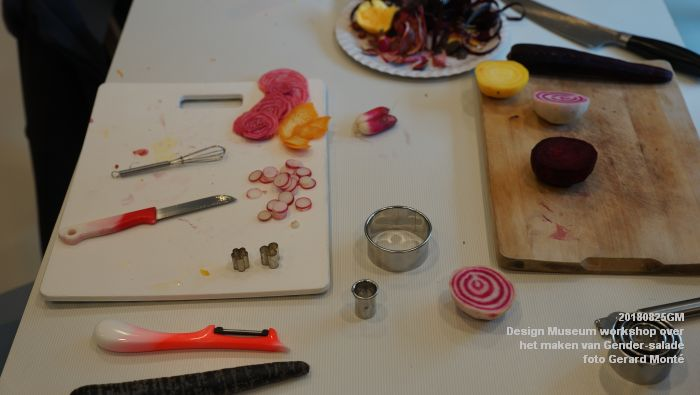 mDSC03563- Design Museum Food is fictie - Workshop over het maken van Gender-salade - 25aug2018 -  foto GerardMontE web
