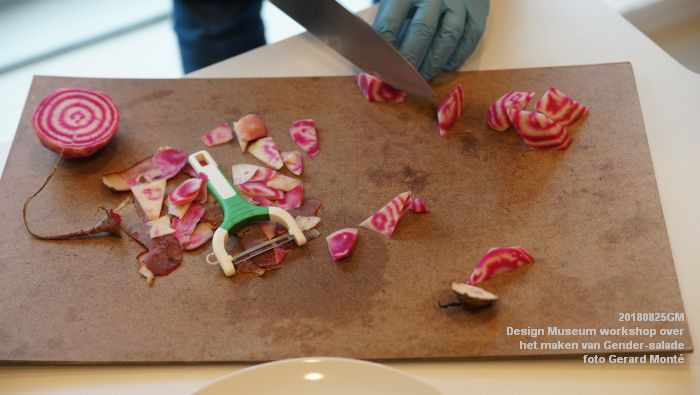mDSC03565- Design Museum Food is fictie - Workshop over het maken van Gender-salade - 25aug2018 -  foto GerardMontE web