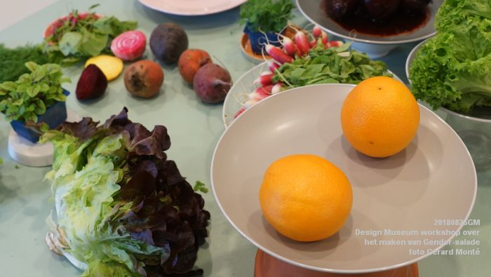 mDSC03568- Design Museum Food is fictie - Workshop over het maken van Gender-salade - 25aug2018 -  foto GerardMontE web
