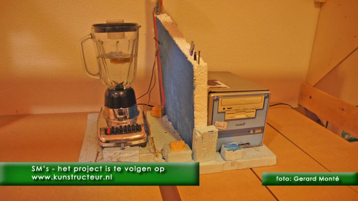 1montE10379- sms reddingsmachines-  web 2011