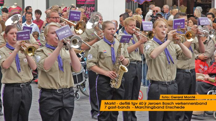 montE12035- jbvband 60jr defilE-  web 2012