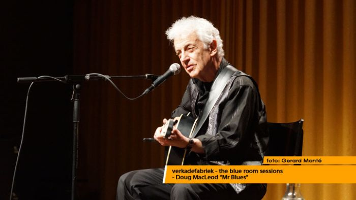 montE21527- Doug MacLeod blue room