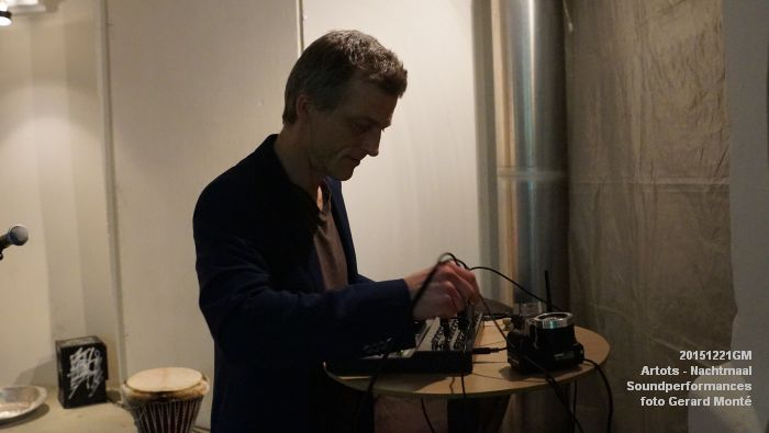 DSC09048- ARTOTS Performativity Wave - SOUNDPERFORMANCES - NACHTMAAL  - 21dec2015 - foto GerardMontE web