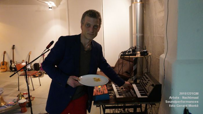 DSC09087- ARTOTS Performativity Wave - SOUNDPERFORMANCES - NACHTMAAL  - 21dec2015 - foto GerardMontE web