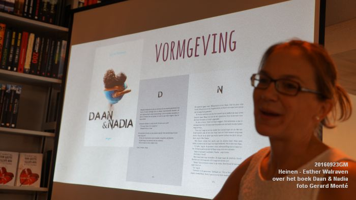 DSC05180- Esther Walraven over haar young adult -boek Daan en Nadia  23september2016 -  foto GerardMontE web