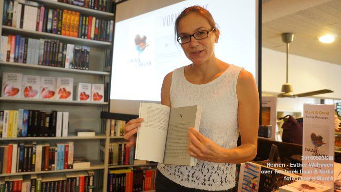 DSC05186- Esther Walraven over haar young adult -boek Daan en Nadia  23september2016 -  foto GerardMontE web