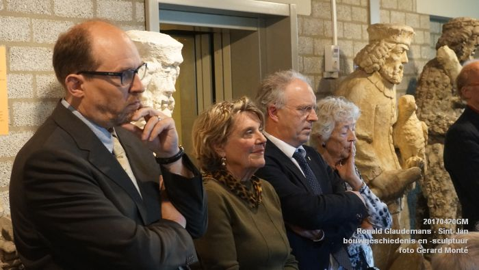 DSC03439- Ronald Glaudemans over de Sint-Jan - bouwgeschiedenis en bouwsculptuur 1250-1550 - 20april2017 - foto GerardMontE web