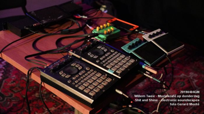 LDSC00480- Willem Twee - Muziekcafe - Shit and Shine - electronic soundscapes - 4apr2019 -  foto GerardMontE web