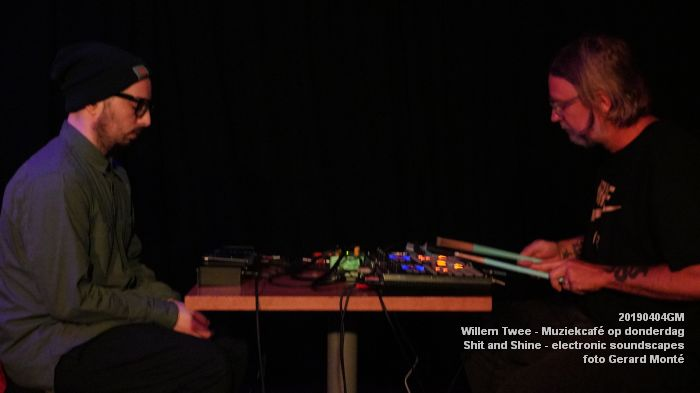 LDSC00484- Willem Twee - Muziekcafe - Shit and Shine - electronic soundscapes - 4apr2019 -  foto GerardMontE web