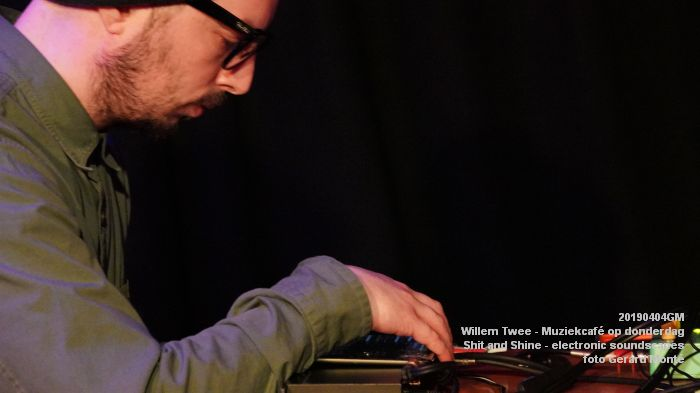 LDSC00489- Willem Twee - Muziekcafe - Shit and Shine - electronic soundscapes - 4apr2019 -  foto GerardMontE web