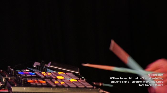 LDSC00492- Willem Twee - Muziekcafe - Shit and Shine - electronic soundscapes - 4apr2019 -  foto GerardMontE web