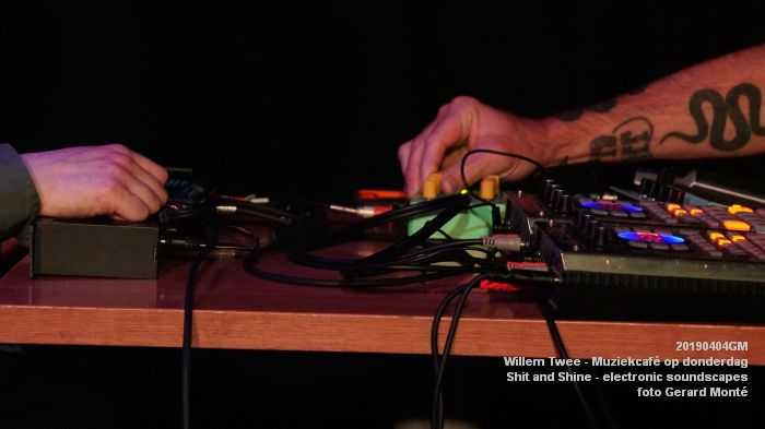LDSC00499- Willem Twee - Muziekcafe - Shit and Shine - electronic soundscapes - 4apr2019 -  foto GerardMontE web