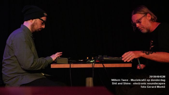 LDSC00502- Willem Twee - Muziekcafe - Shit and Shine - electronic soundscapes - 4apr2019 -  foto GerardMontE web