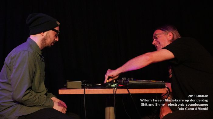 LDSC00503- Willem Twee - Muziekcafe - Shit and Shine - electronic soundscapes - 4apr2019 -  foto GerardMontE web