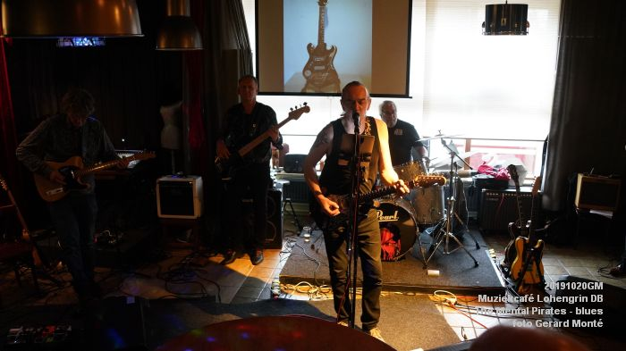 eDSC00304- Muziekcafe Lohengrin bluesmiddag met The Mental Pirates - 20okt2019 - foto GerardMontE web