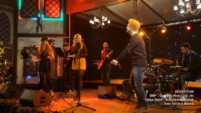 MDSC00556- BWP - Gone by Now - Tip Jar - Glass Band - Schurkenbiefstuk - 27dec2019 - foto GerardMontE web